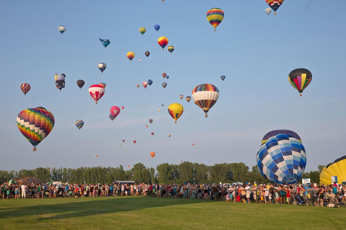 The International Balloon Festival of Saint-Jean-sur- Richelieu: magical take offs and a sensational line-up until Aug. 18