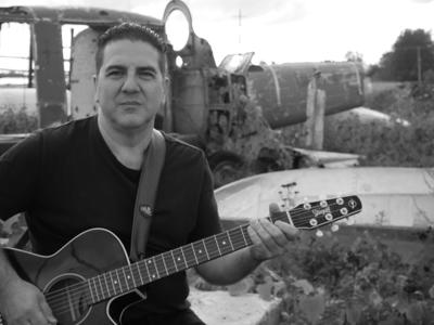 Laval songwriter Can't Stop Running
