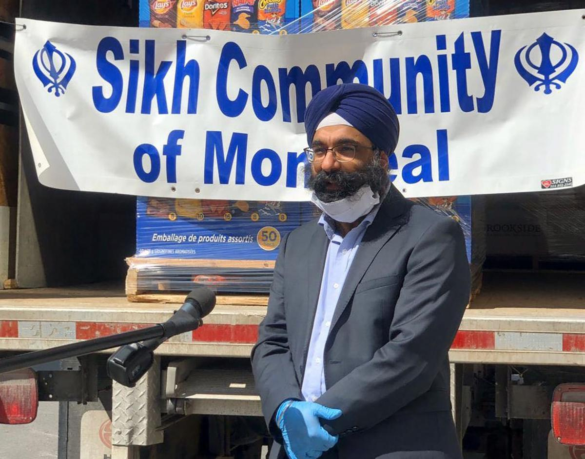 Sikh Community of Montreal donating food and snacks to frontline hospital workers