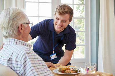 Seniors & Aging: Finding the Right Senior Community for a Loved One with Alzheimer's or Dementia