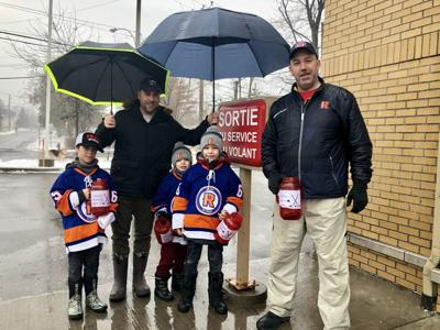 """Ile-Perrot Riverains"" fundraiser - A little rain does not stop these guys"