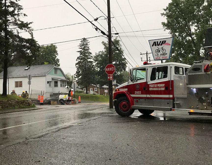 Strong thunderstorms cut power to over 105,000 Quebec homes