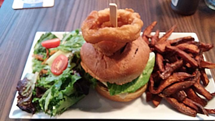 Kirkland resto bar burger