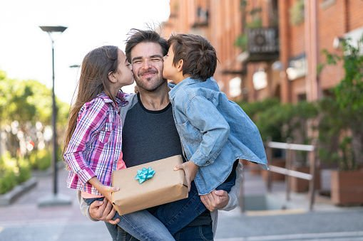 Parenting 101: 6 Unique Father's Day gifts