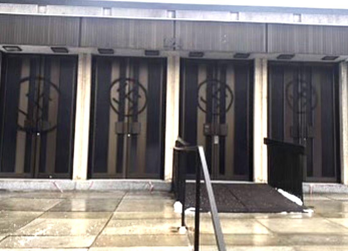 Congregation Shaar Hashomayim vandalized with swastikas