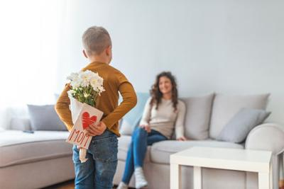 Supermom In Training: A cheat sheet for dads on Mother's Day