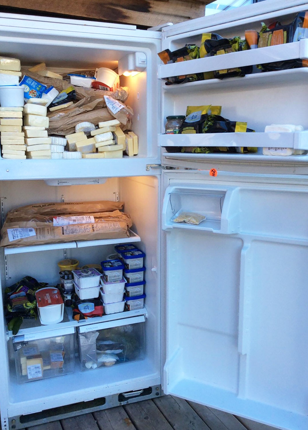 Community-owned fridge in Saint-Henri making a difference