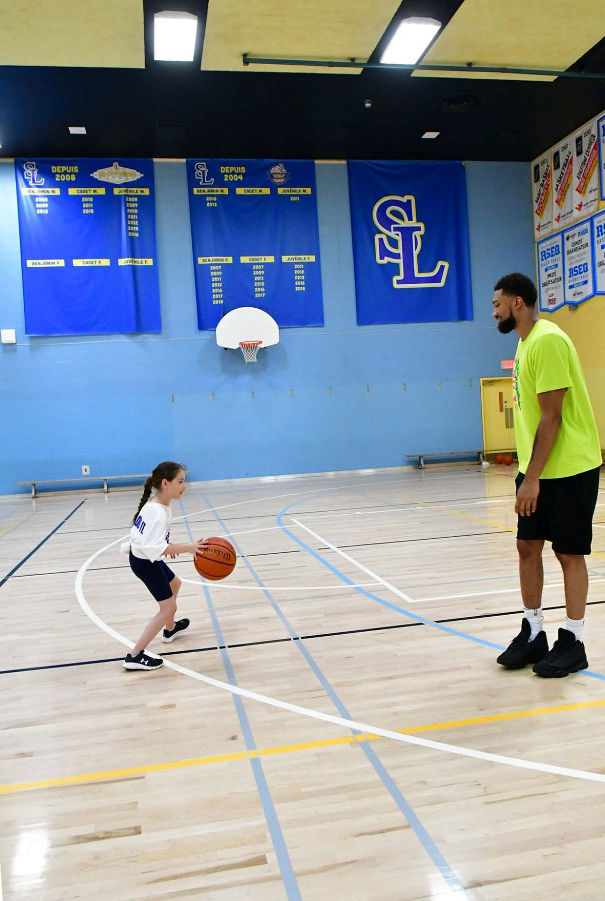 A Magic Khem-istry class for local youth basketballers