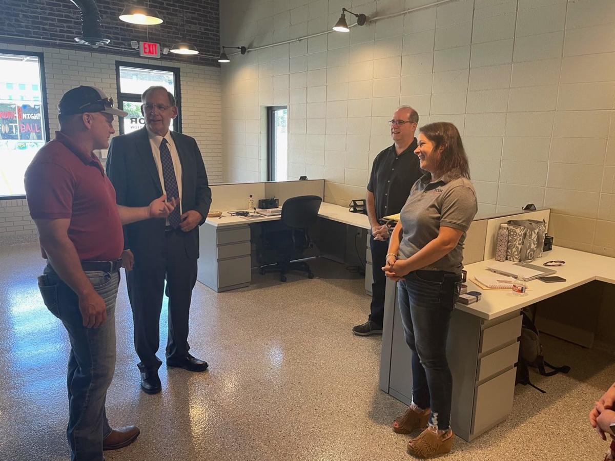 Senator visits AVCOR