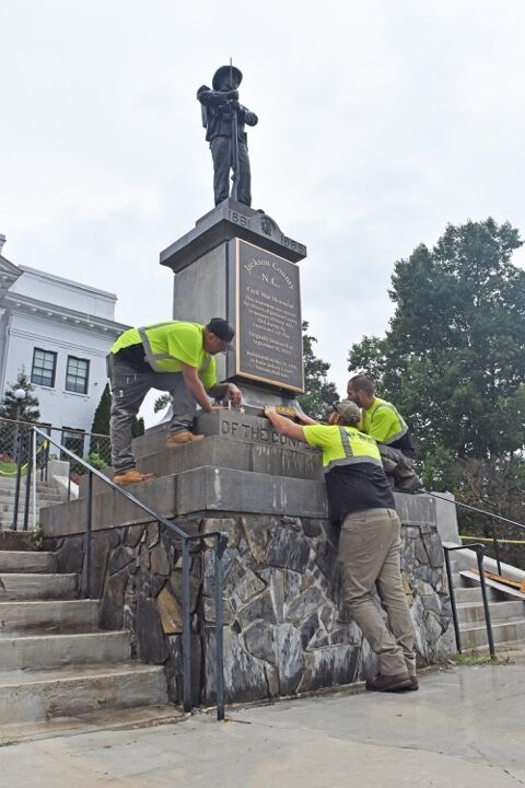 confederate monument plaques installed