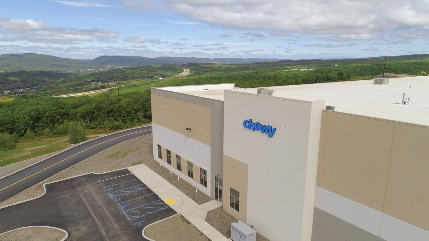 Chewy hiring 1,000 at new Archbald fulfillment center