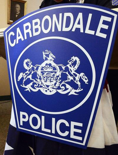 Carbondale man pulled knife on woman, police charge