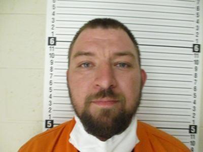 Wayne County man pointed shotgun at man, police charge