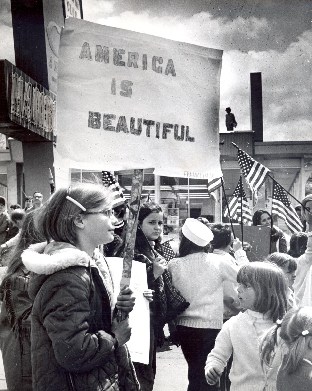 flag_tt050221dayinhistory_p2