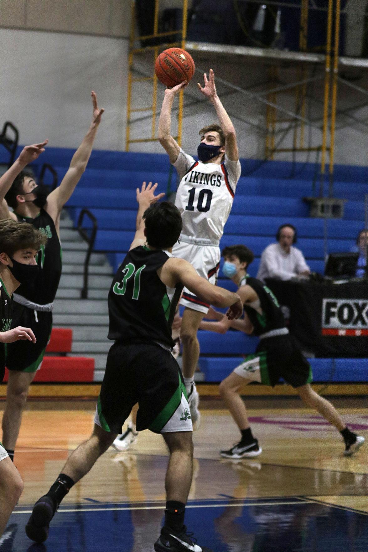 tt021021hsbasketball2