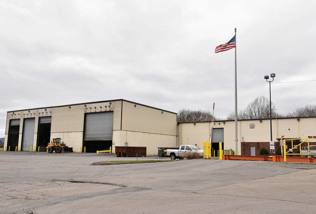 Lackawanna County Recycling Center to stop collecting commingled bottles, jars, cans