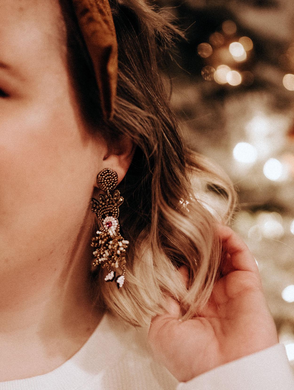Accessories add seasonal cheer to loungewear