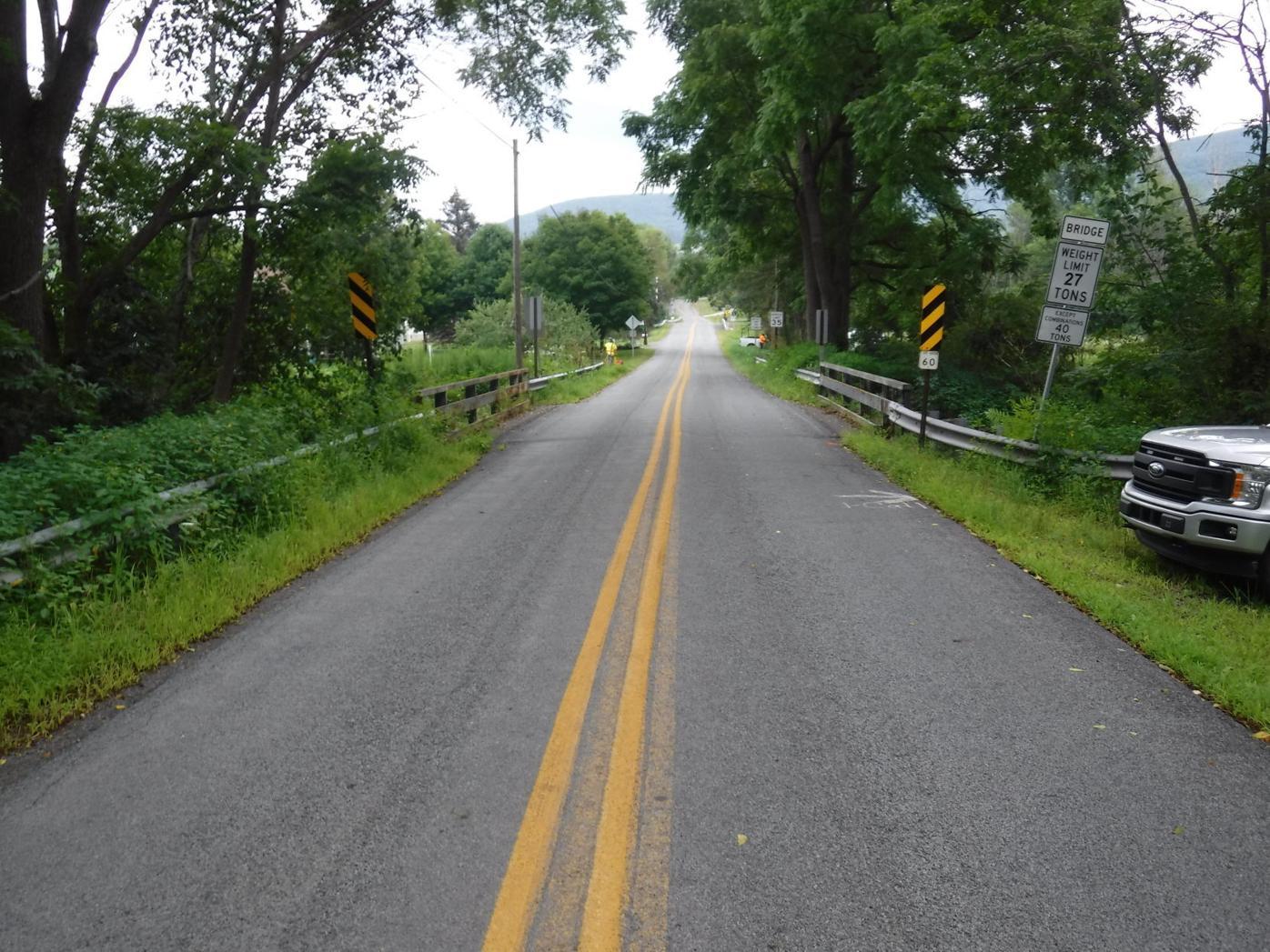 Gardner_Creek_Bridge_Newton_Twp._Approach_2021