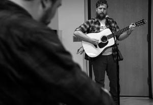 Tyler Childers and band brush up at KCTM