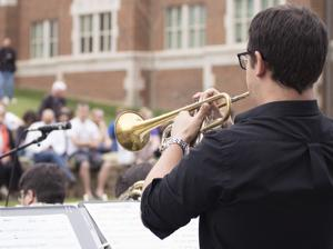 Second annual President's Spring Concert takes over the Andrew's Hall lawn