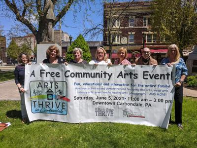 ARTS THRIVE event organizers. From left to right: Mary Lynn Brannon, Cathy Arvonio, Lee Ann Cerra, Doreen Coleman, Roxann Farber, Ruthanne Jones and Janan Loomis.