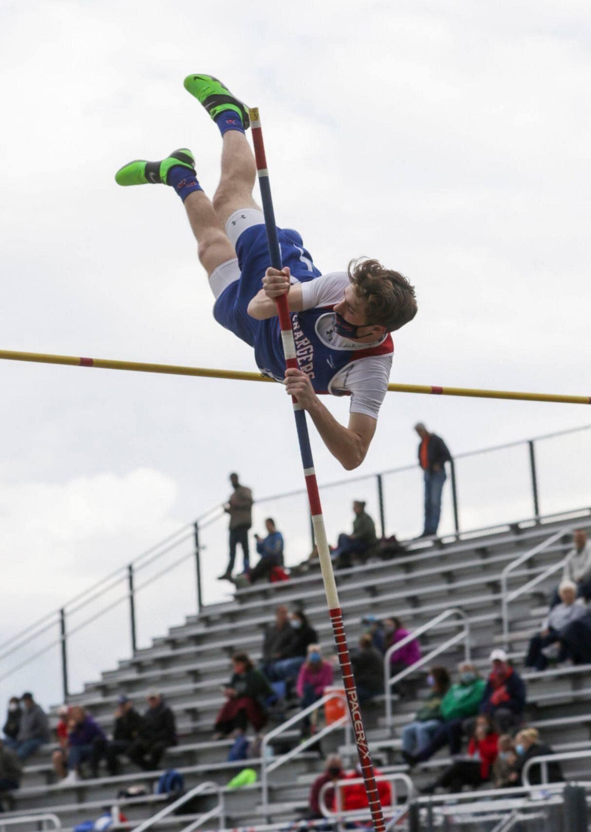 Carbondale Area senior breaks school record