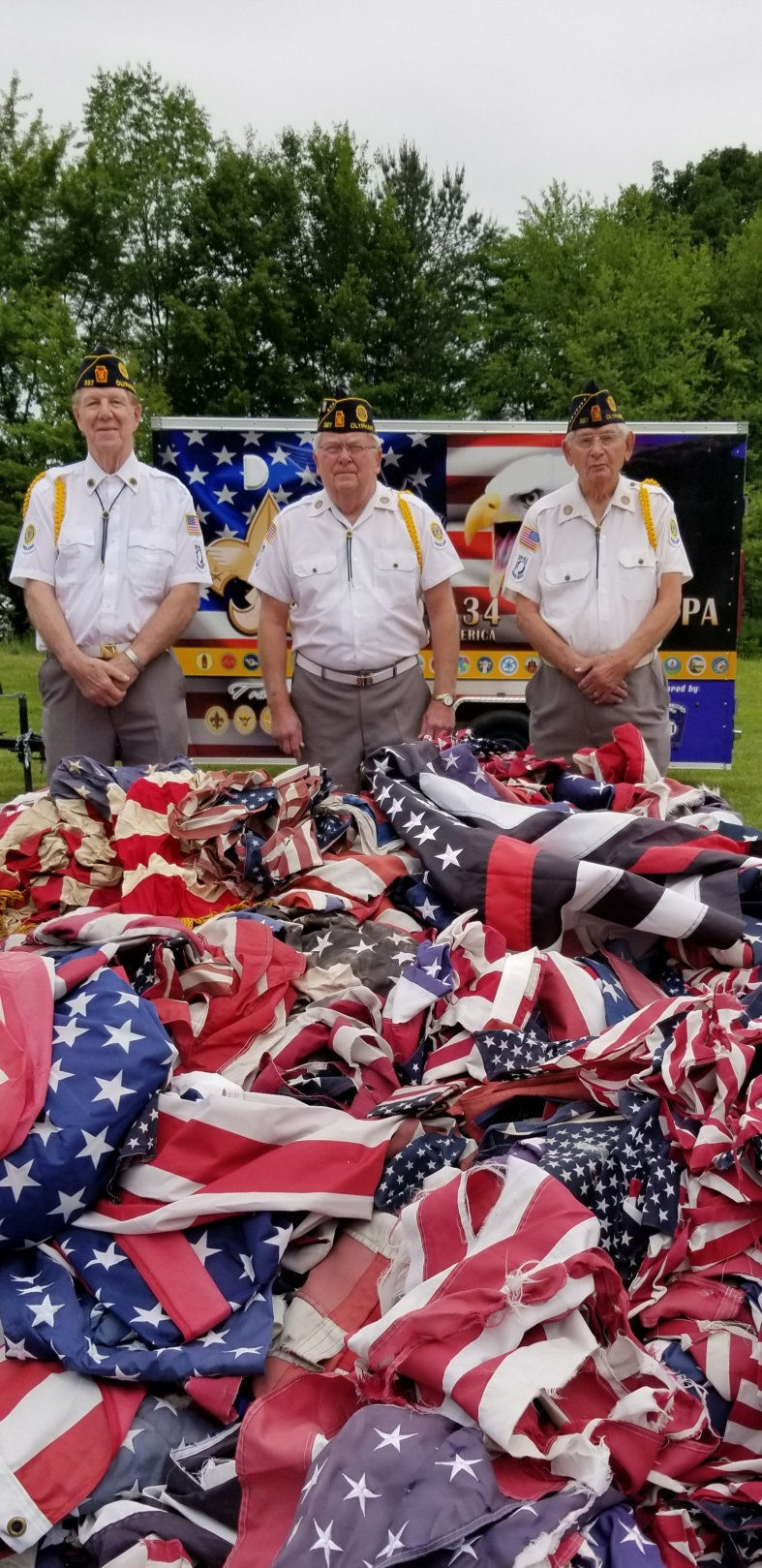 Retiring Old Glory: Boy Scouts, American Legion host solemn ceremony