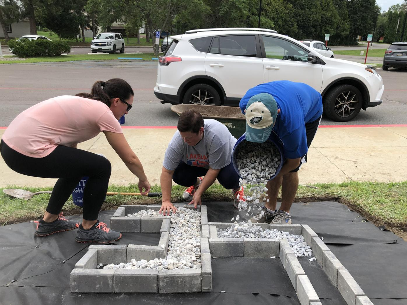 Teachers, administrators spruce up Mayfield Elementary