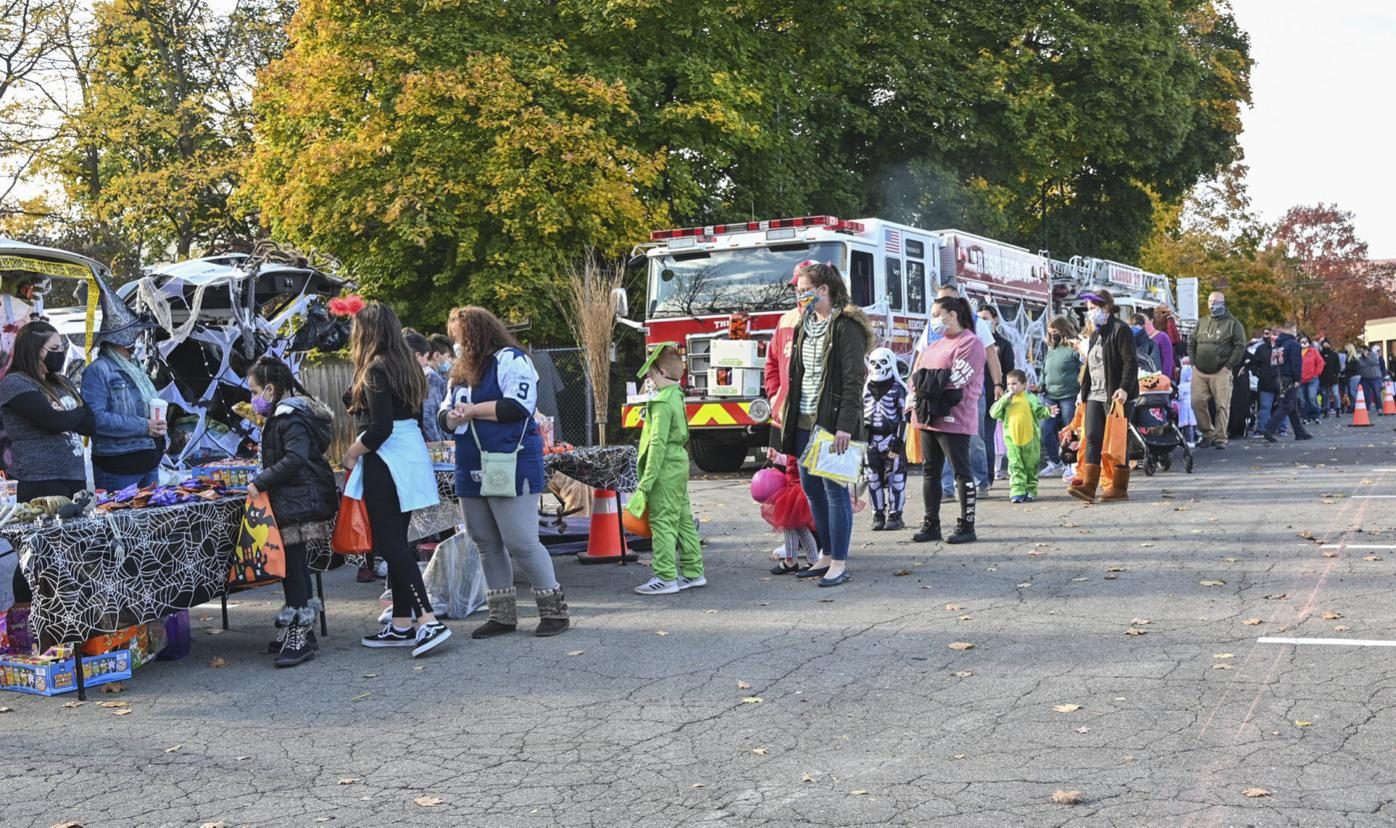 Throop gets spooky with trunk or treat event