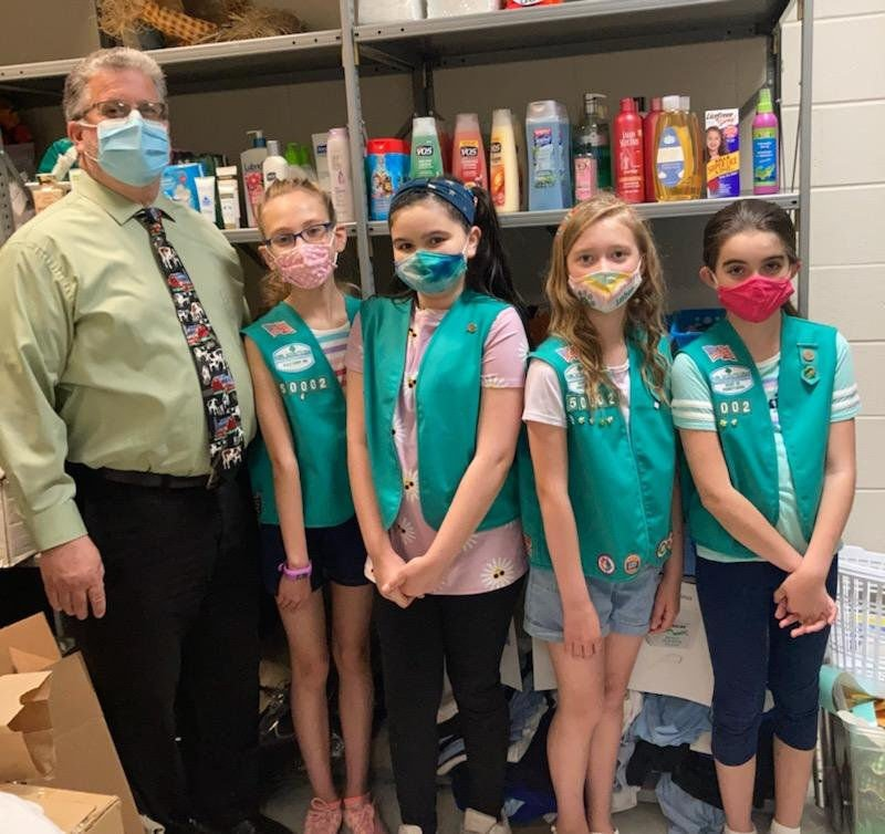 Selfless service: Girl Scout troop creates nurse's pantry at Valley View