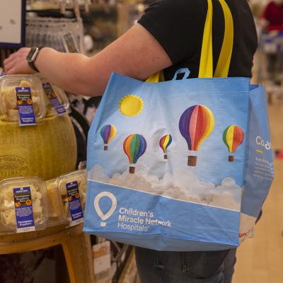 Reuseable bag offered by Giant to support Children's Miracle Network Hospitals.