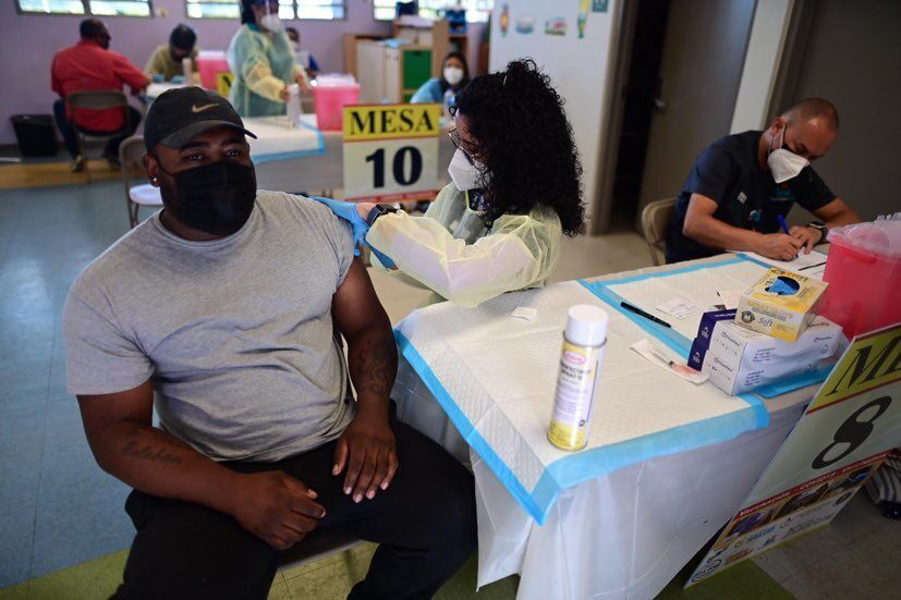 Vieques Resident Receives Dose of COVID-19 Vaccine