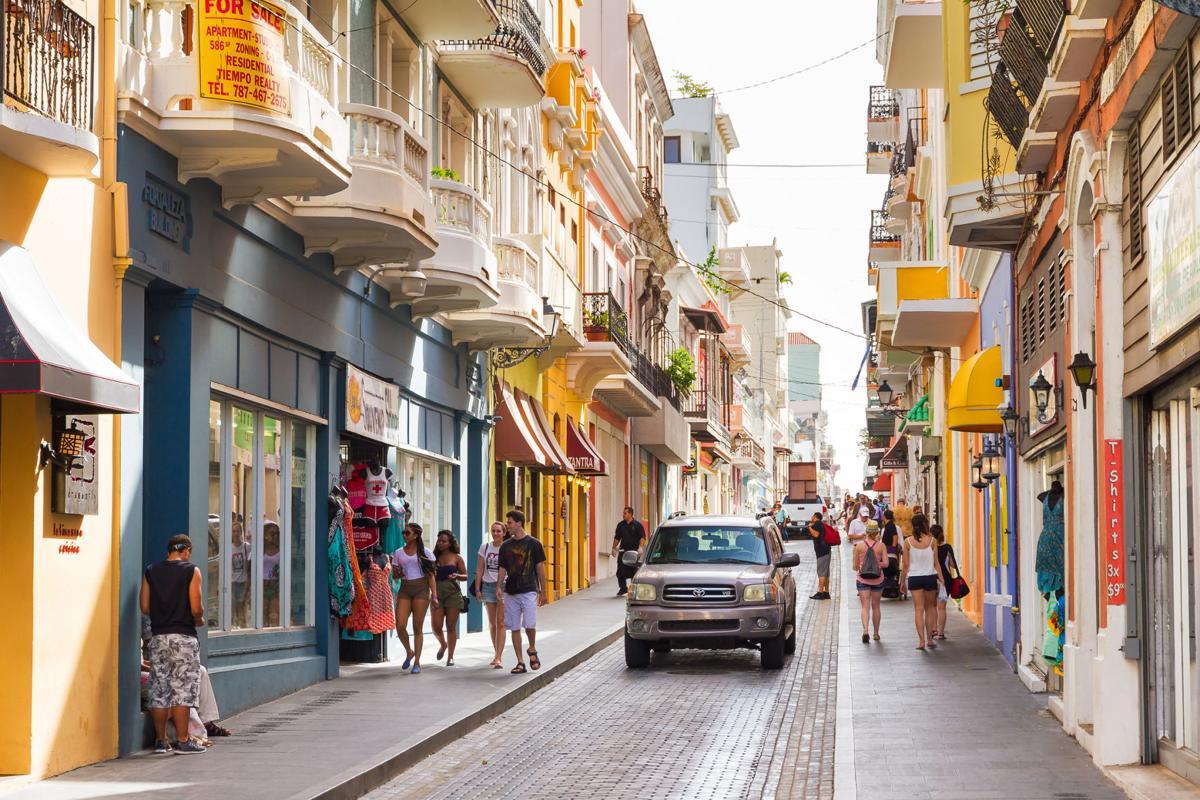 San Juan street life