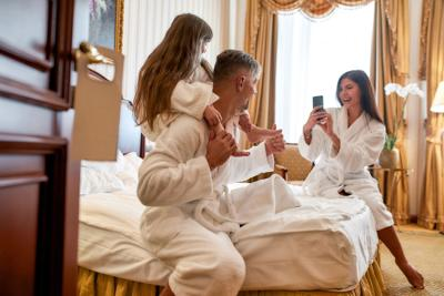 Hotel room (family)