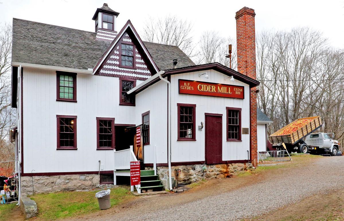 111219 MYS Clyde's Cider Mill 756.JPG