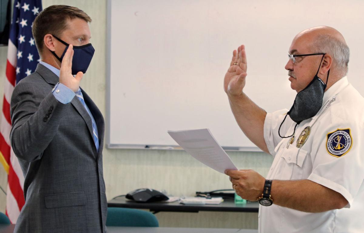 090721 STN New SPD Kyle Miller sworn in hh 78100.JPG
