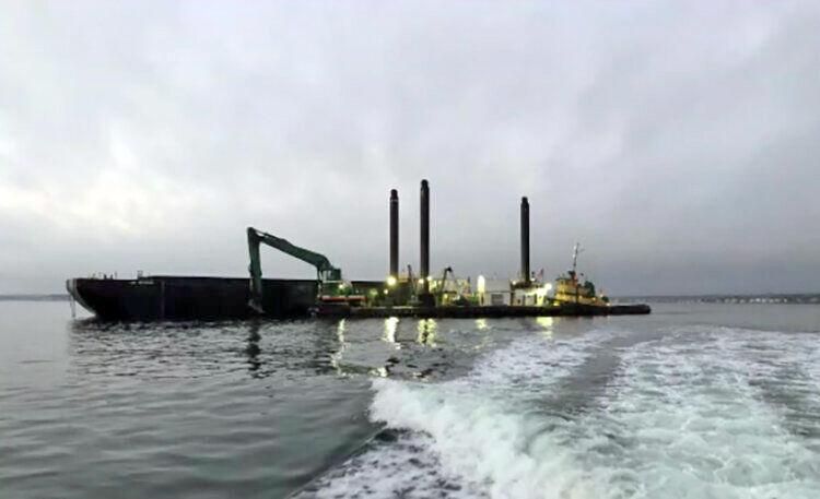 Narragansett Bay Dredging ship.jpg