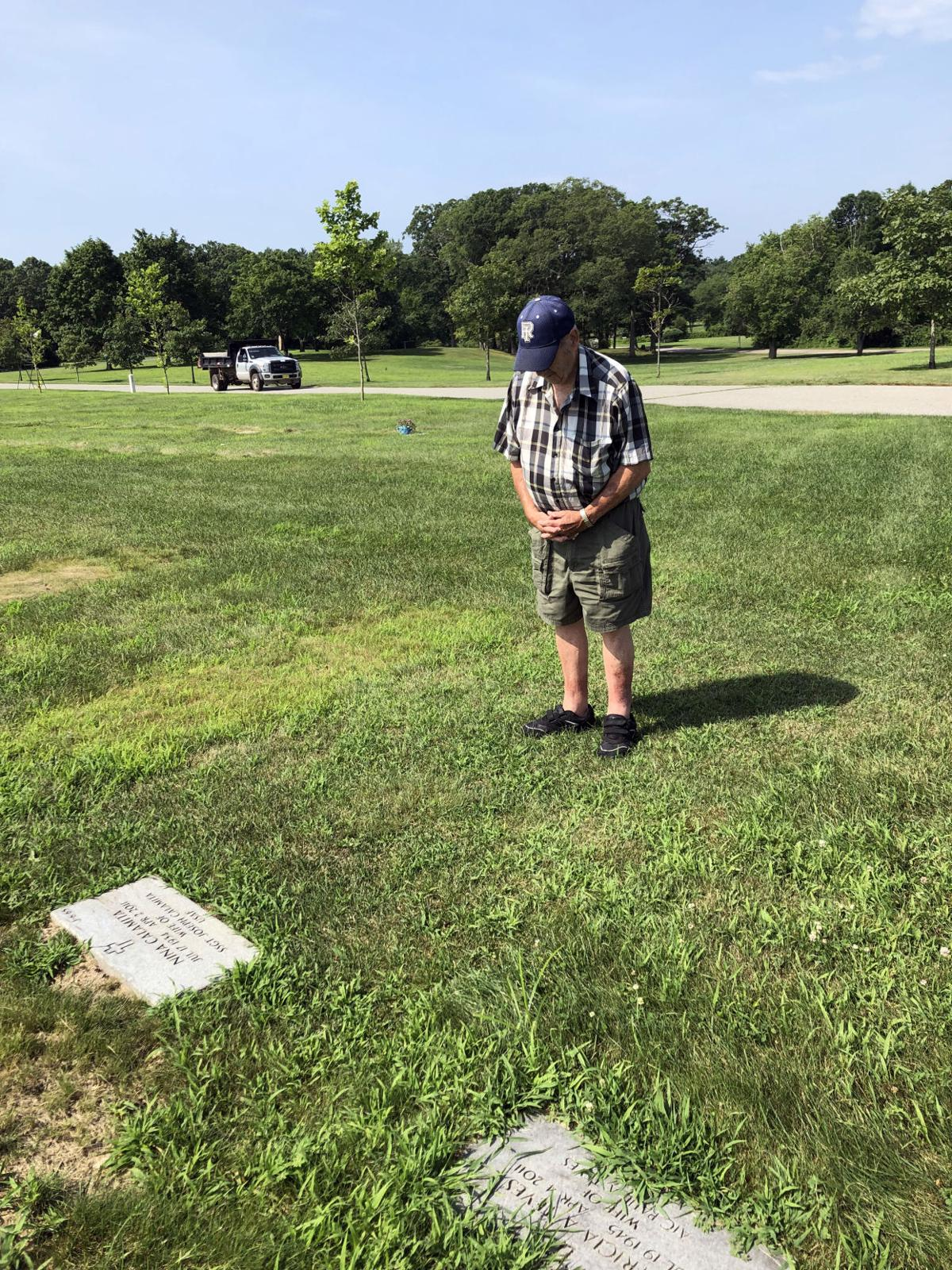 072819 Slosberg Joe Calamita praying.jpg