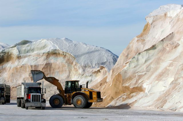 Beet juice, molasses among options to help reduce use of road salt to protect waterways