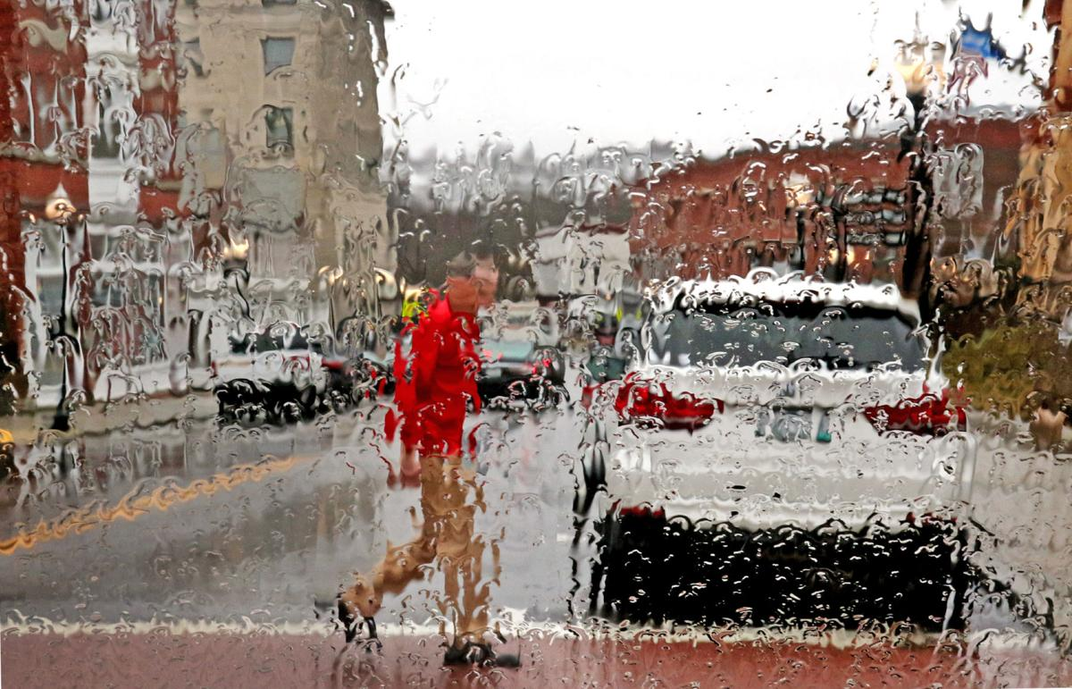 021120 WES Rainy day downtown abstract 166.JPG
