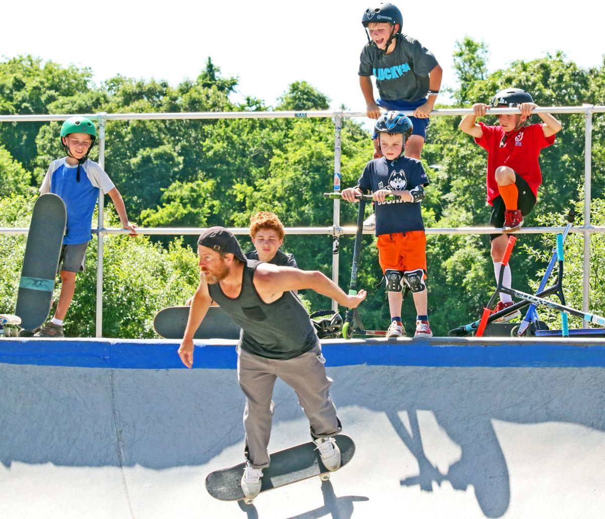 WES Town Rec skate camp 25124.JPG