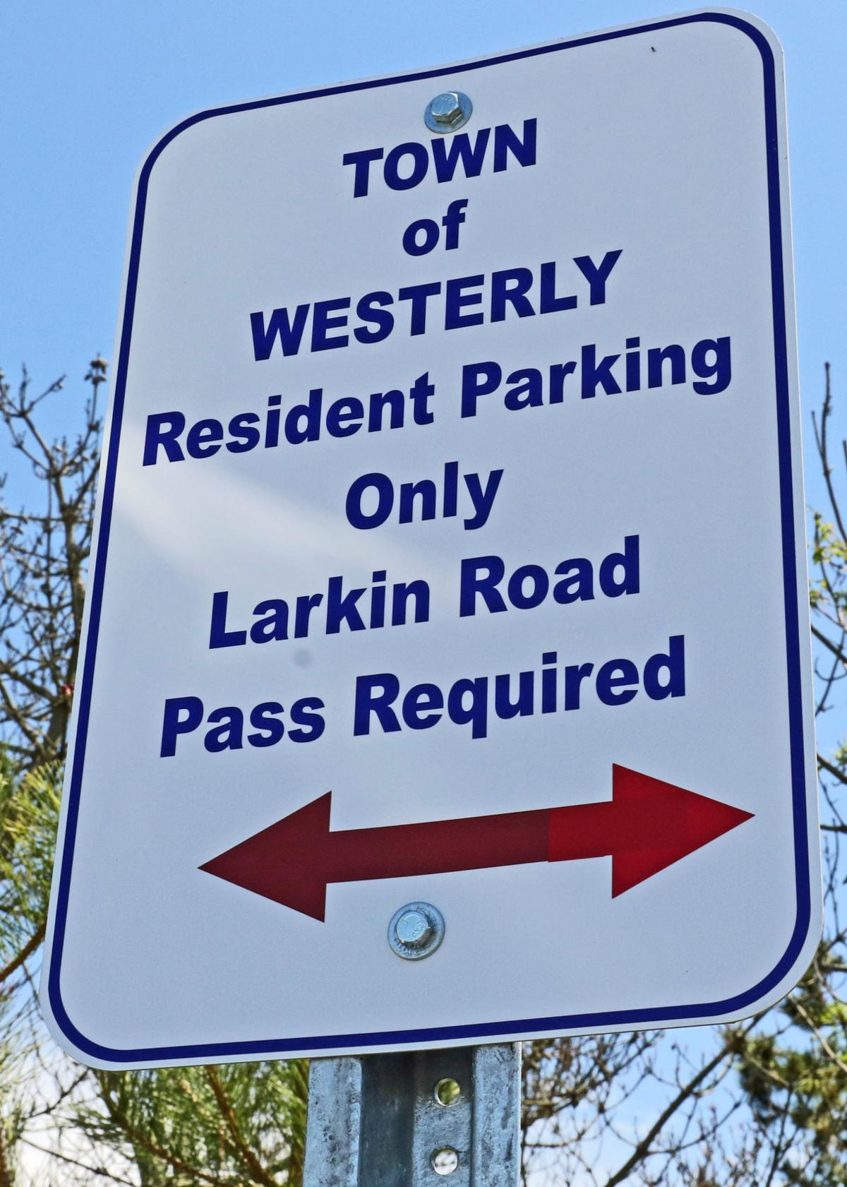 WES Spray Rock parking signs-WS-061220 21695.JPG