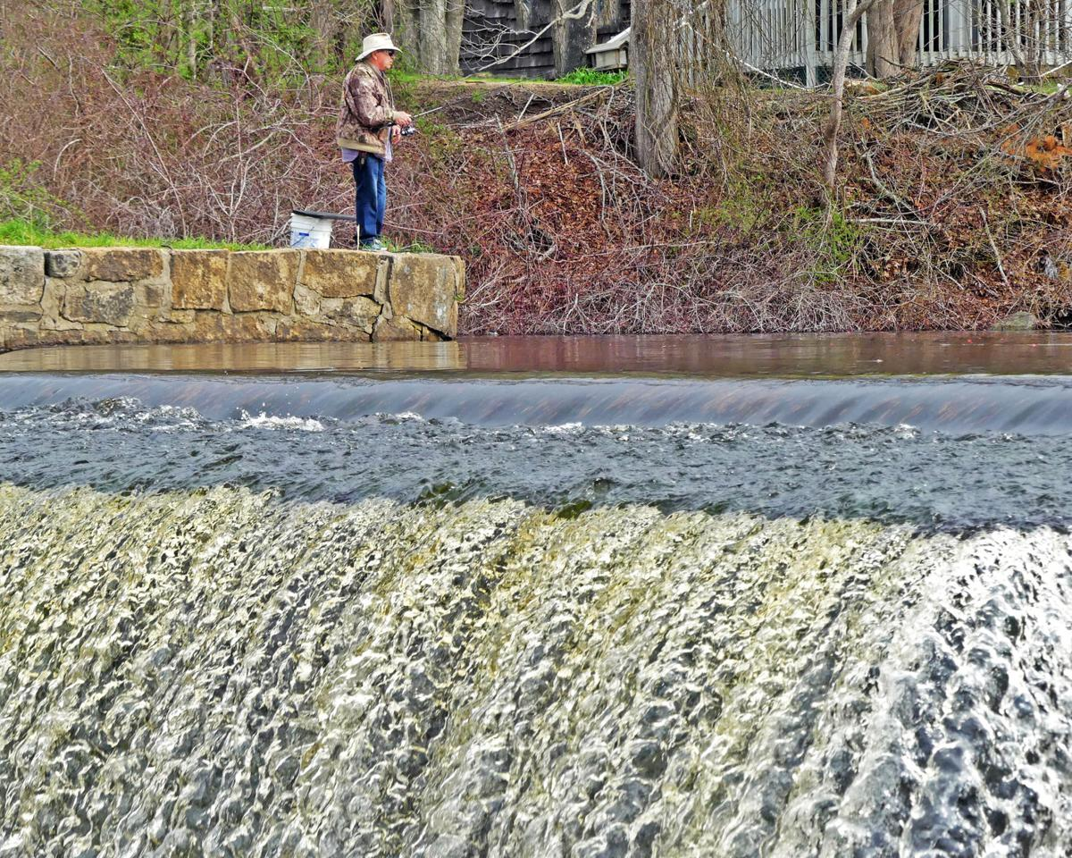 042219 RICH Fisherman at Wyoming Dam Pond 424.JPG