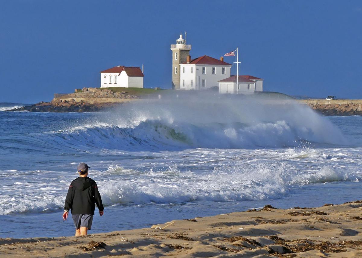 090719 WES Rough surf East Beach from Dorian 171.JPG
