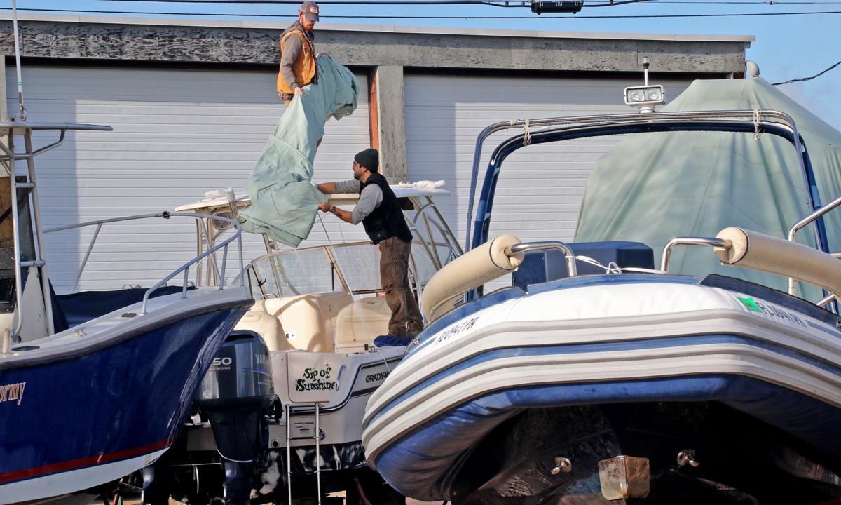 120318 MYS Dodson Boatyard workers hh 53.JPG