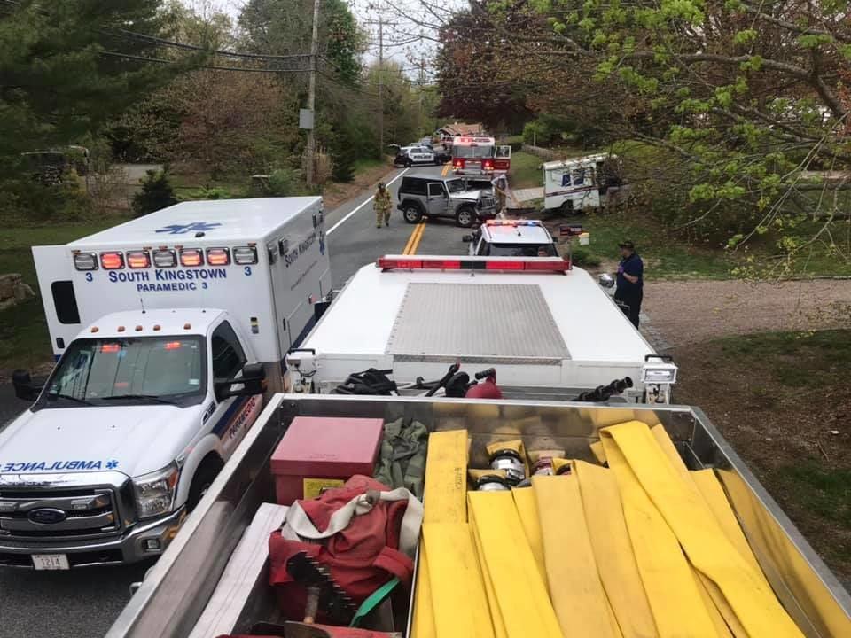 051519 POL mail truck crash 1.jpg
