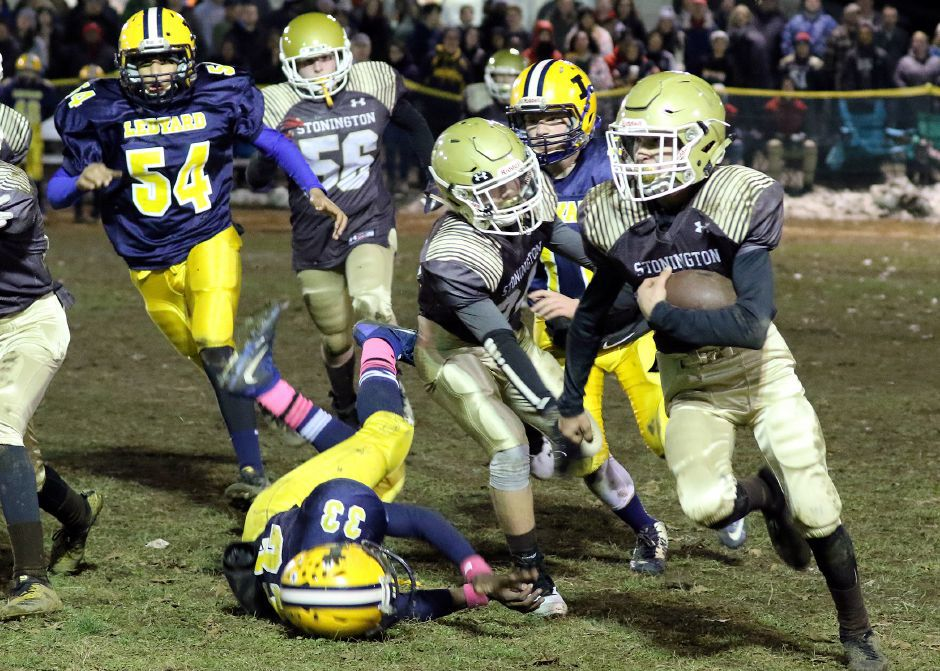 Youth football: Big-play Stonington brings home 14U Super Bowl championship