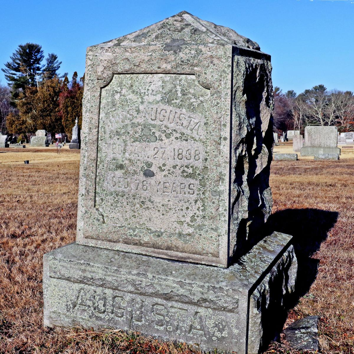 011520 HOP Amos Augusta grave 43.JPG