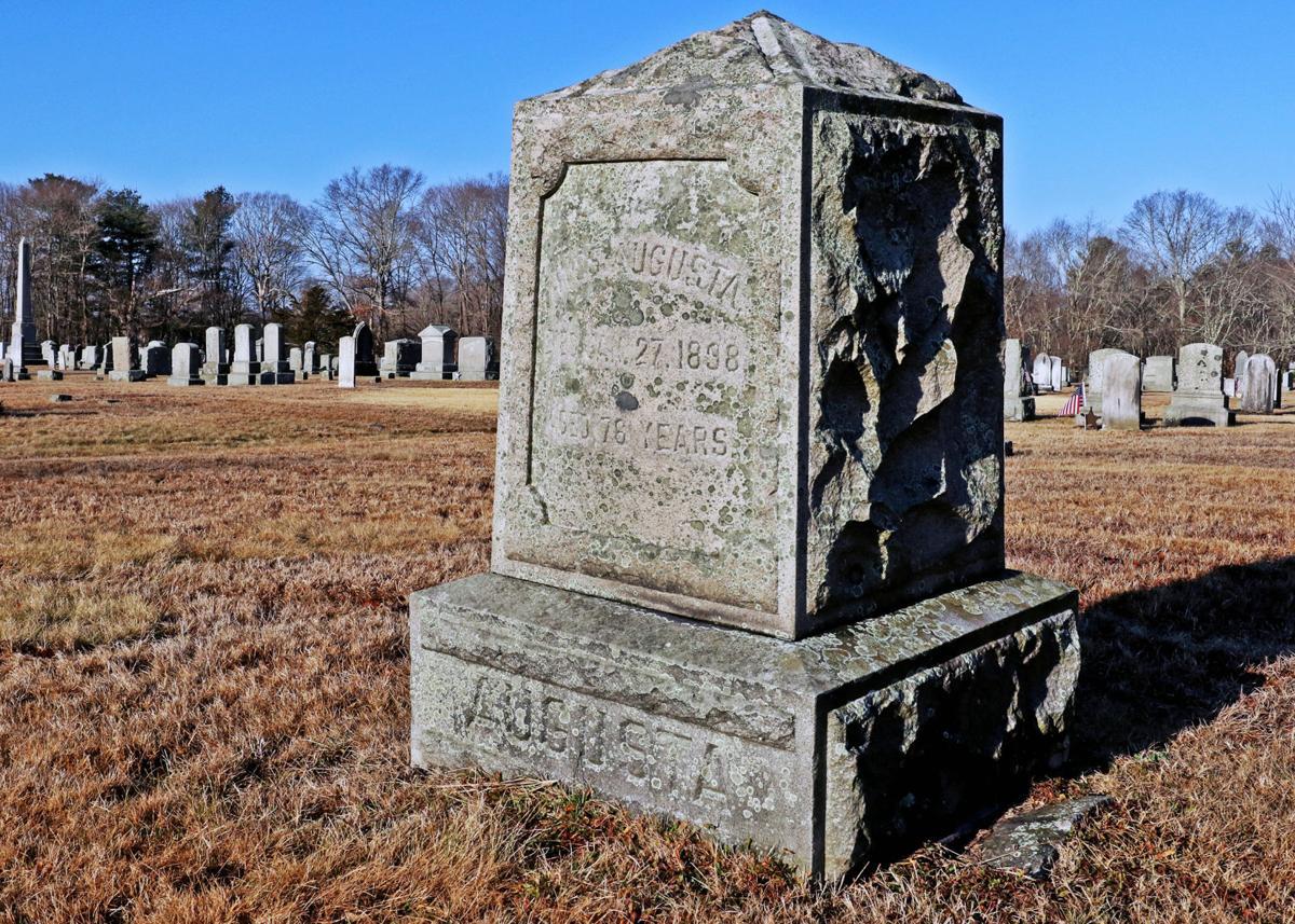 011520 HOP Amos Augusta grave 46.JPG