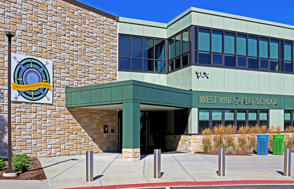082919 STN WVS preps for new students 1372.jpg